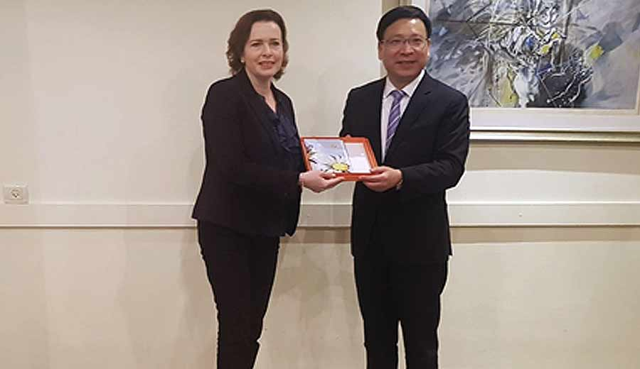 The Mayor of Shenzhen, Mr. Chen Rugui and Mayor of Haifa, Dr. Einat Kalisch Rotem